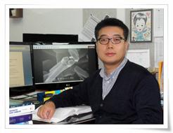 Professor-ParkKangHyun2.jpg